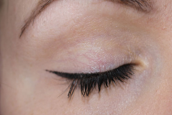 Glossy-Liner-Wing